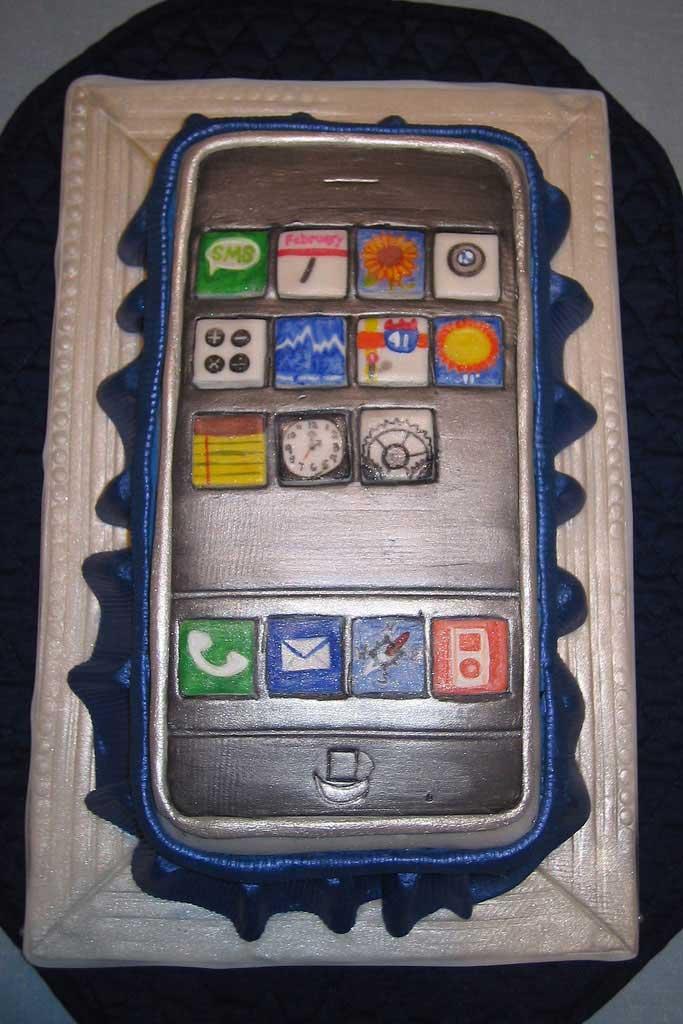 Iphone Birthday Cake Yum Apple Iphone Review